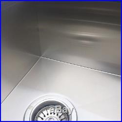 32''x18'' 18-Gauge Stainless Steel Kitchen Sink 50/50 Double Bowl Undermount